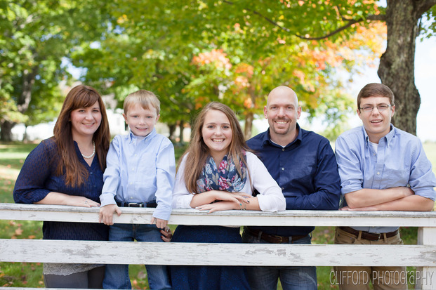 Fall Photos with the Treamer Family